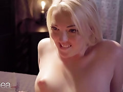 Lesbea Mary Jane scissoring and beaver slurping climax with sexy blond Czech
