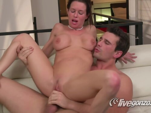 Live Gonzo With Veronica Avluv