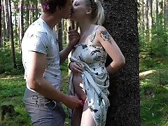 A pregnant chick with an egg gets a creampie in a deep woods while picking mushrooms