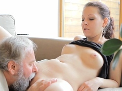 Delectable youthful cockblowers chick likes cunny spread