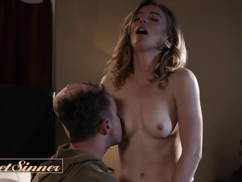 Fit American Milf Mona Wales Gets Fit By Younger Cock In Hotel Room